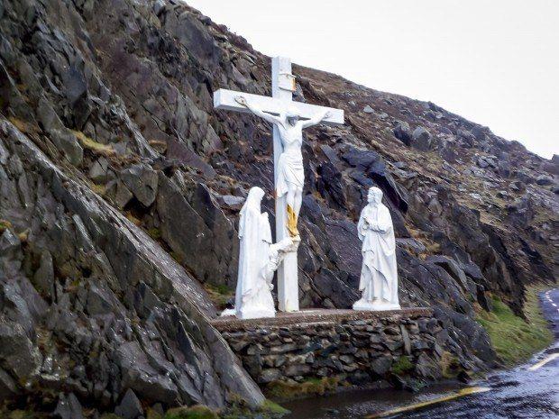 Monument on Irelands Dingle Peninsula