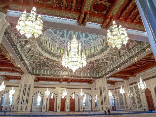 Inside the Sultan Qaboos Grand Mosque, one of the top things to do in Muscat and is one of the top Oman tourist attractions. One of the fun facts about Oman is that this mosque is one of the largest in the world.