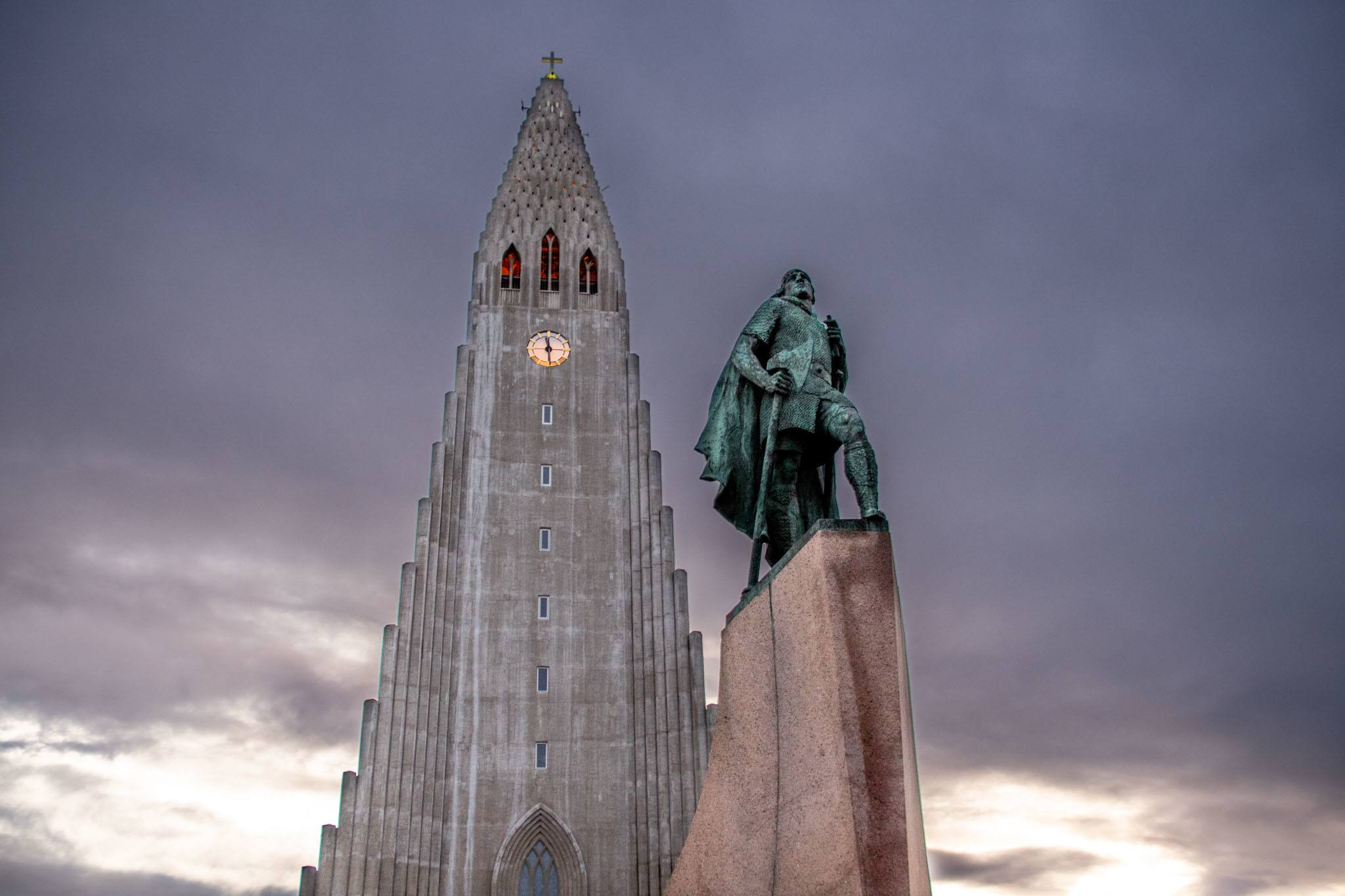 Leif Ericsson statue in front of the Hallgrimskirkja church in Reykjavik