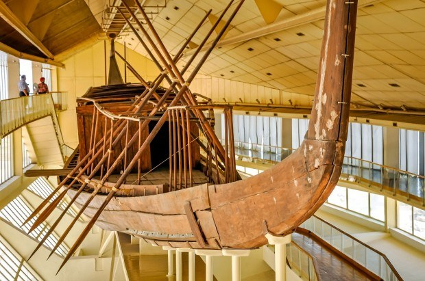 Egypt Pyramids tours: During trips to Giza, visitors can visit the Solar Boat Museum, which houses the wooden boat built for the pharaoh who built the Great Pyramid of Egypt.