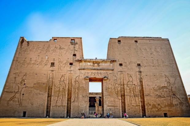 Egypt-Edfu-Temple-exterior