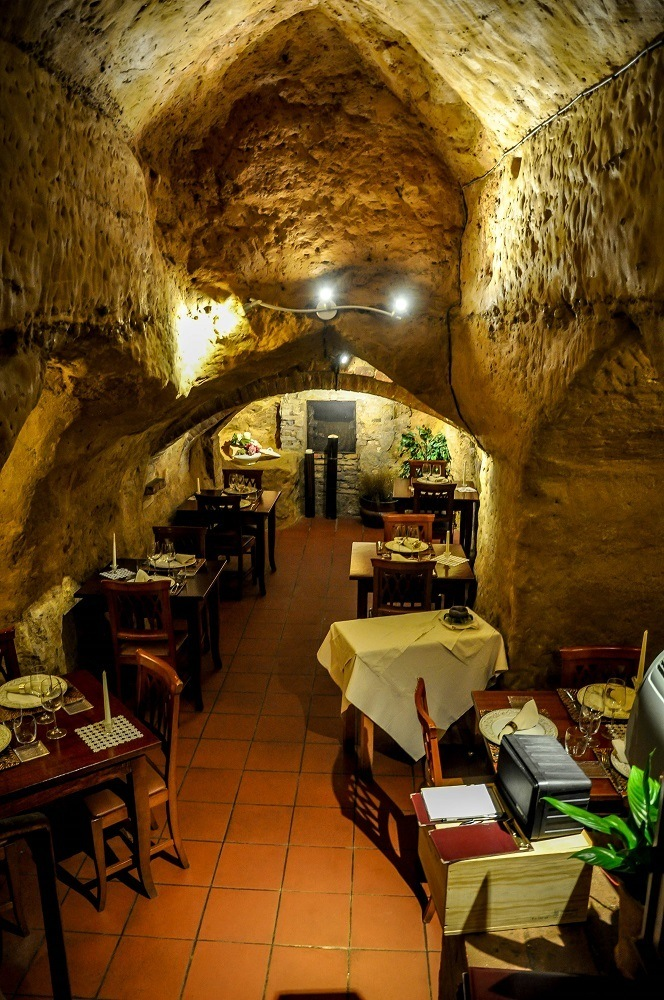 Market day and sightseeing in siena italy travel addicts - Antica osteria da divo siena ...