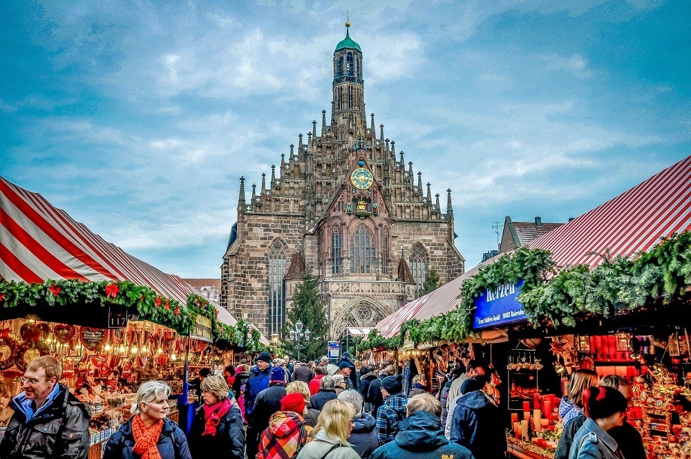 People fill the aisles at the Nuremberg Christmas market