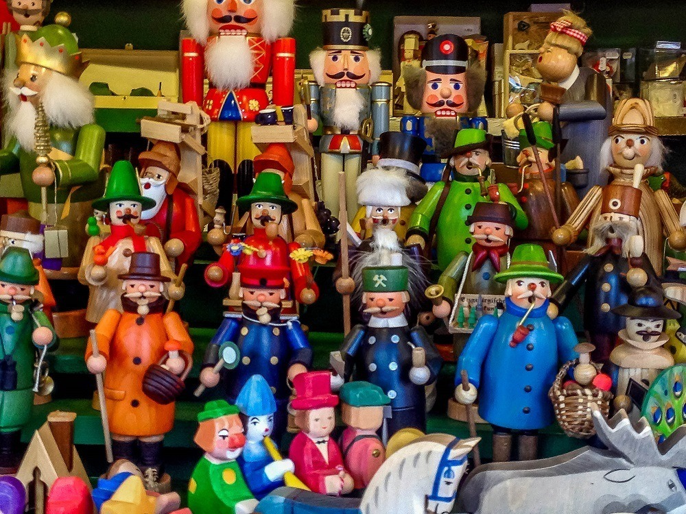 Smoker figurines that exhale incense are traditional at Christmas in Germany