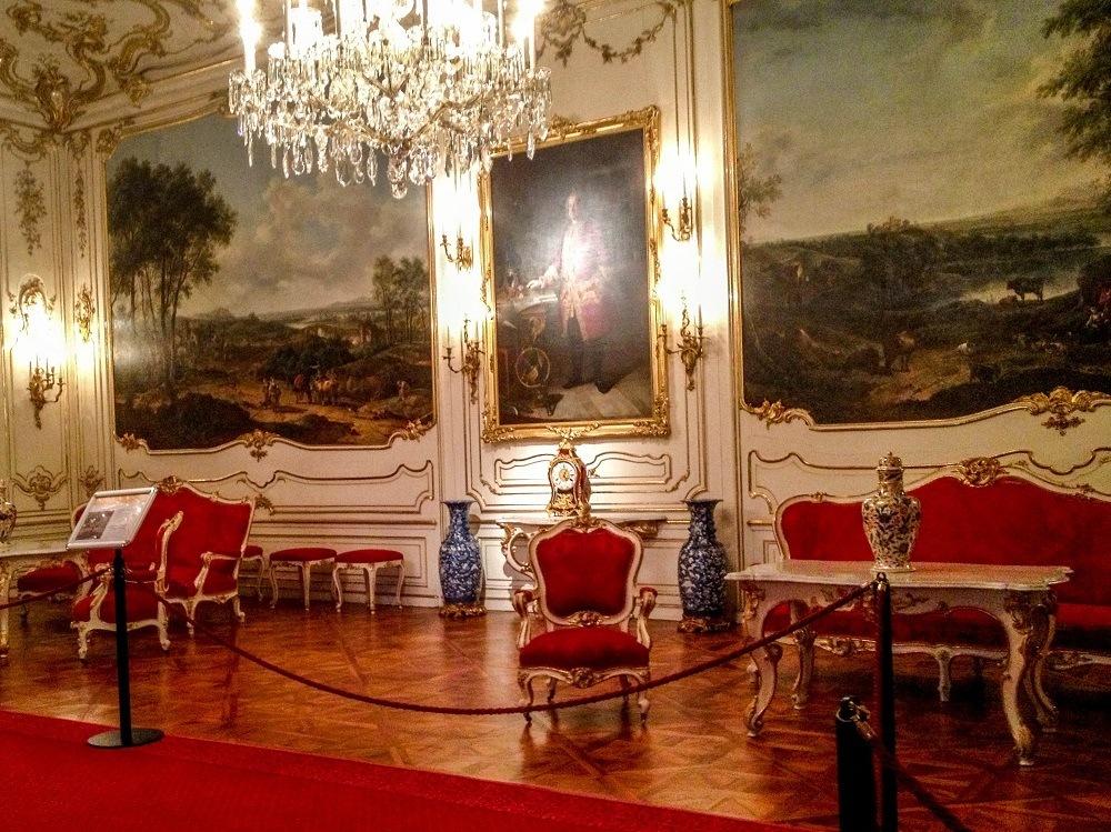 Schonbrunn Palace reception hall