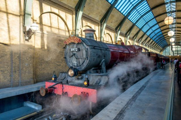 The Hogwarts Express takes you between Universal Studios and Islands of Adventure