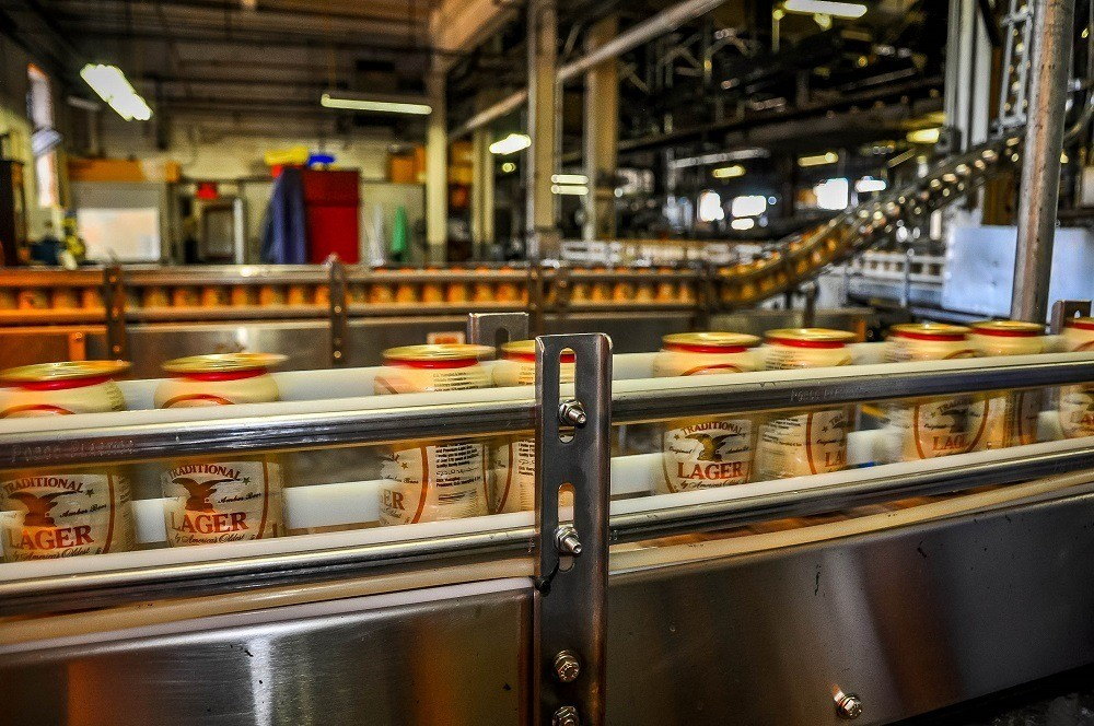 Cans on Yuengling bottling line