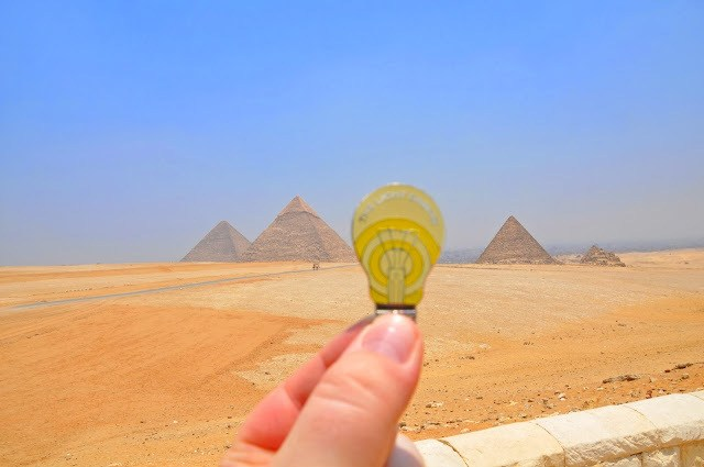 Geocoin in front of the Giza Pyramids