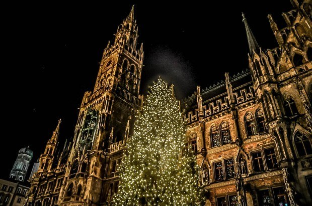 Christmas tree in front of Munich city hall