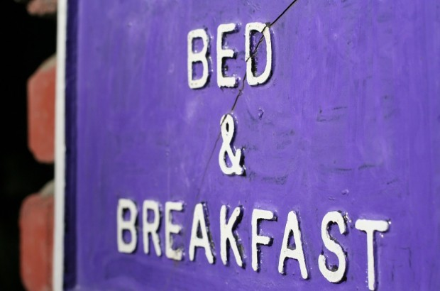 A comprehensive guide to Ireland bed and breakfast vacations. Bed and Breakfast sign in Ireland.