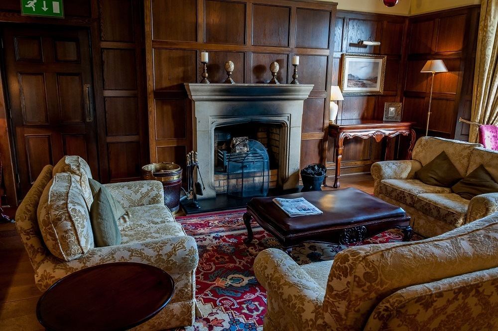 Sitting room at the Lough Eske Castle