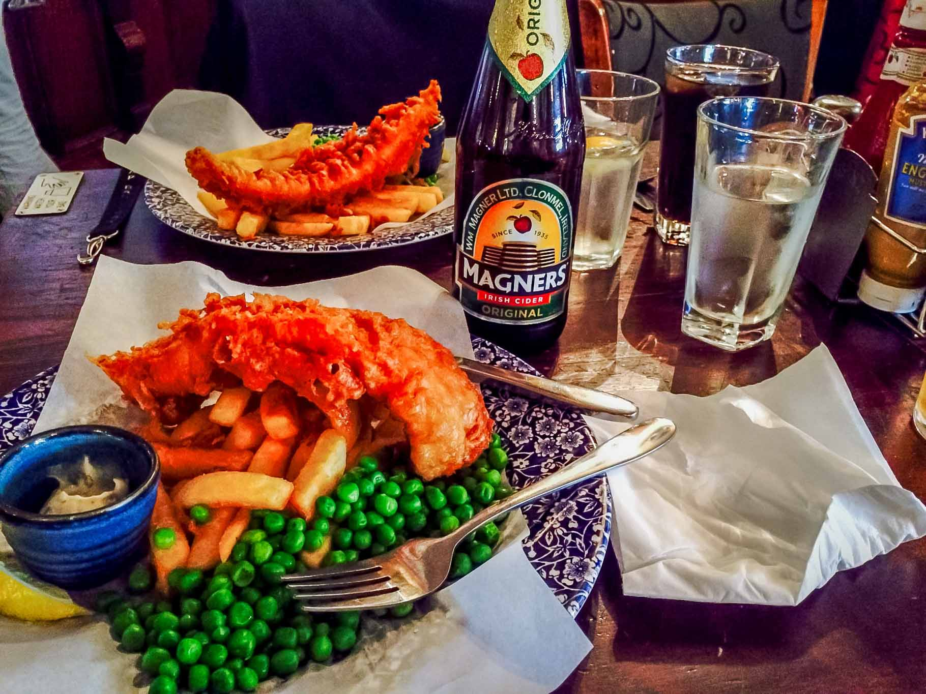 No Heathrow Layover would be complete without sampling the perfect fish and chips at a London pub! But exactly where is Heathrow aiport? While Heathrow is the airport in London, it is a long way from the city! A London connection is ideal for long layover flights, but does make it difficult leaving airport during layover.  That's why you need a Heathrow layover itinerary.