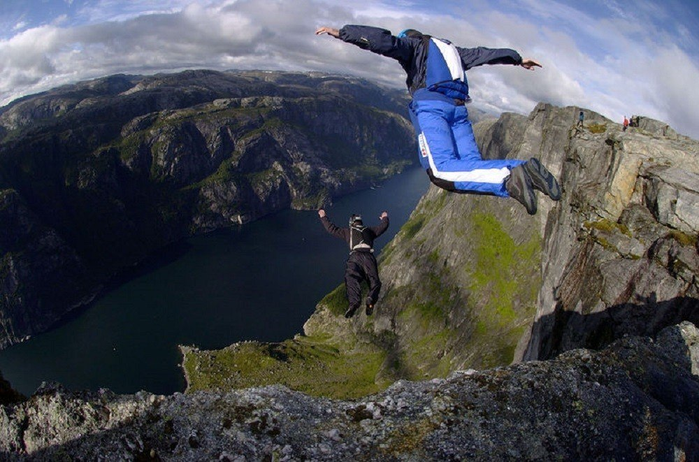 Person BASE jumping