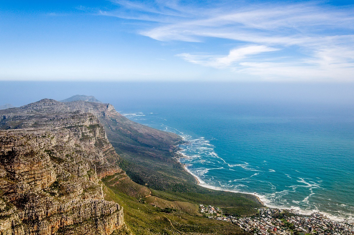 The view from Table Mountain in Cape Town, South Africaons.