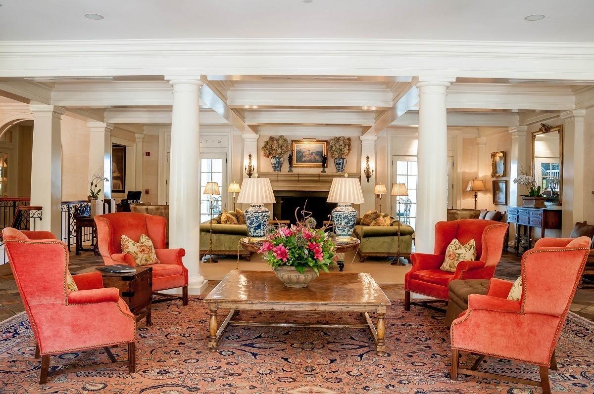 The lobby of Keswick Hall at Monticello