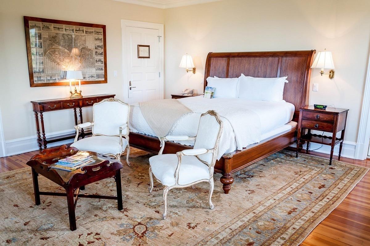 Room 9 - The Villa Crawford Master Bedroom at Keswick Hall at Monticello
