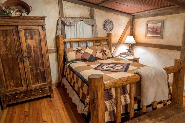 Bedroom of the Llano cabin at the Cotton Gin Village
