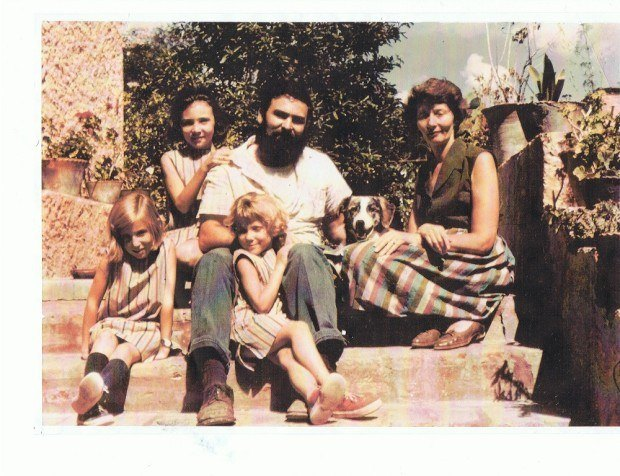 Suzanne Fluhr and family in Mexico