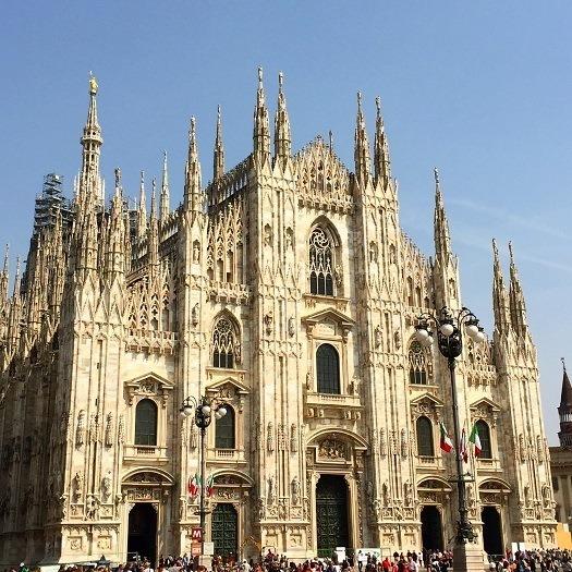 FlashpackerFamily_Duomo-Milan
