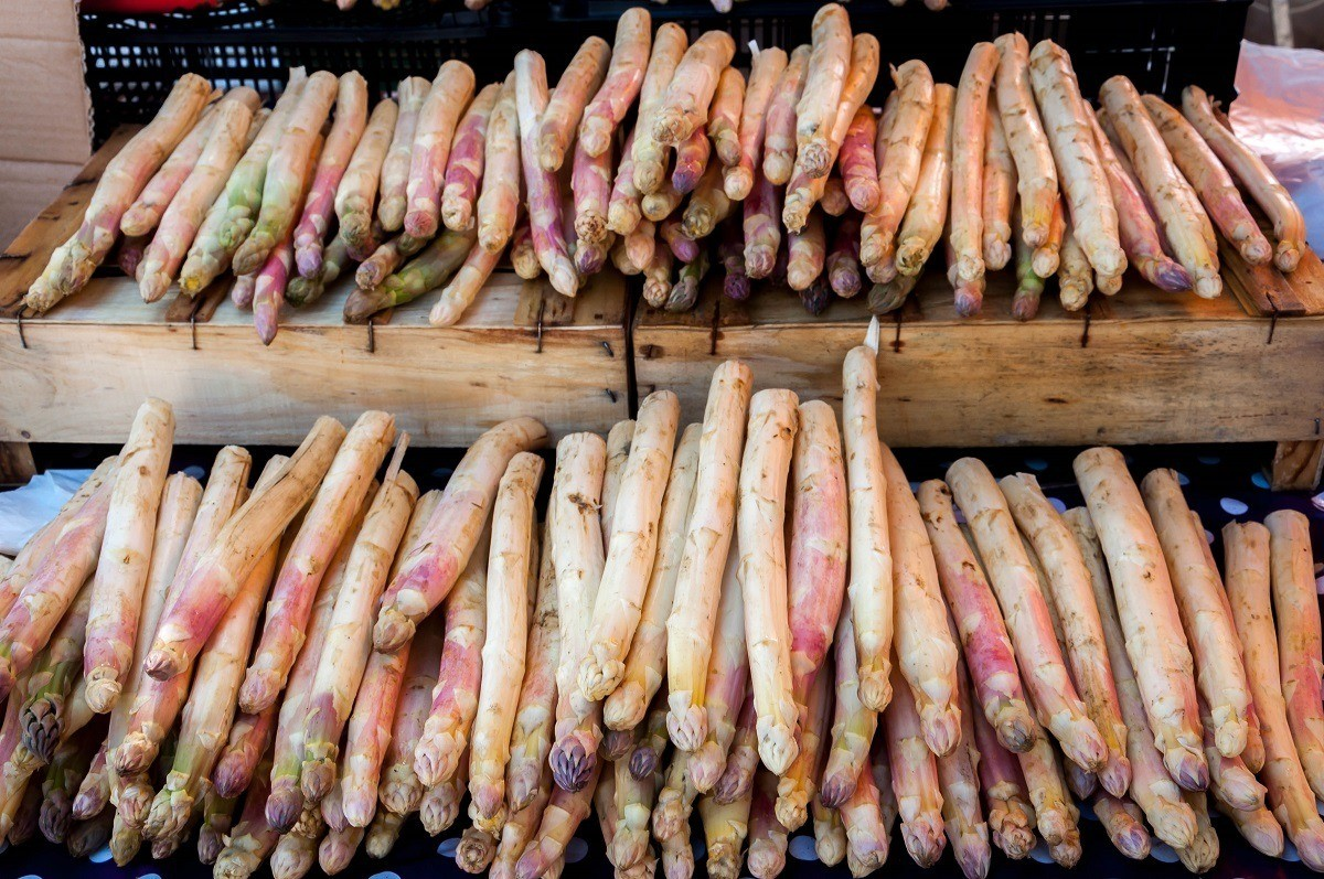 White asparagus is a common product sold at markets in Provence in the spring