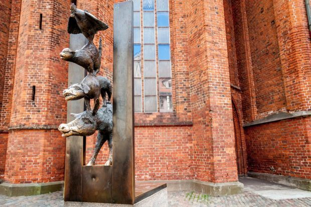 The Bremen Town Musicians statue is one of the things what to see in Riga Old Town