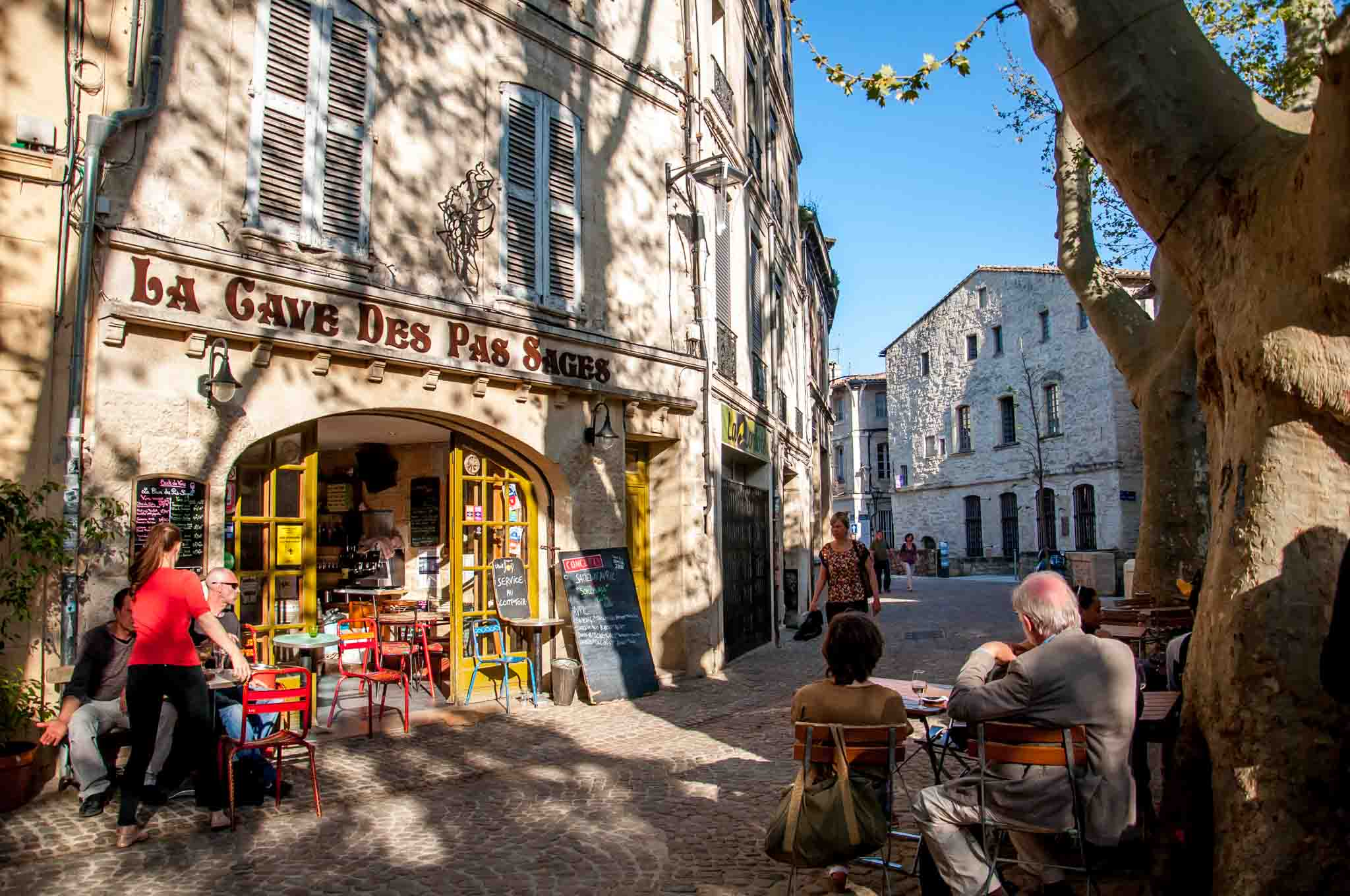 La Cave des Pas Sage on Rue des Teinturiers in Avignon, France. A visit here is one of the best Avignon things to do.