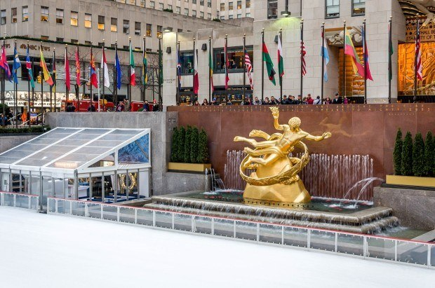 A visit to the Rockefeller Center ice skating rink is one of the best things to do in Rockefeller Center in New York