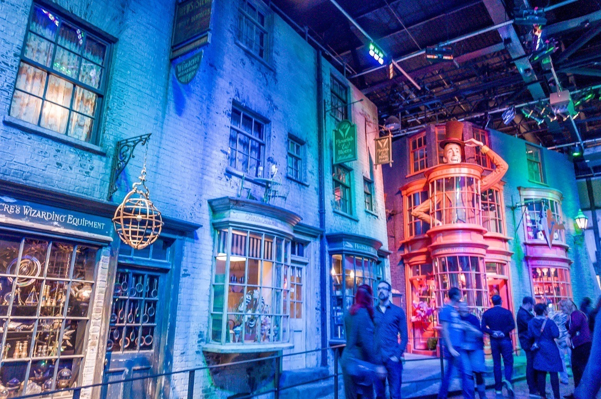 The set of Diagon Alley with Weasleys Wizard Wheezes.