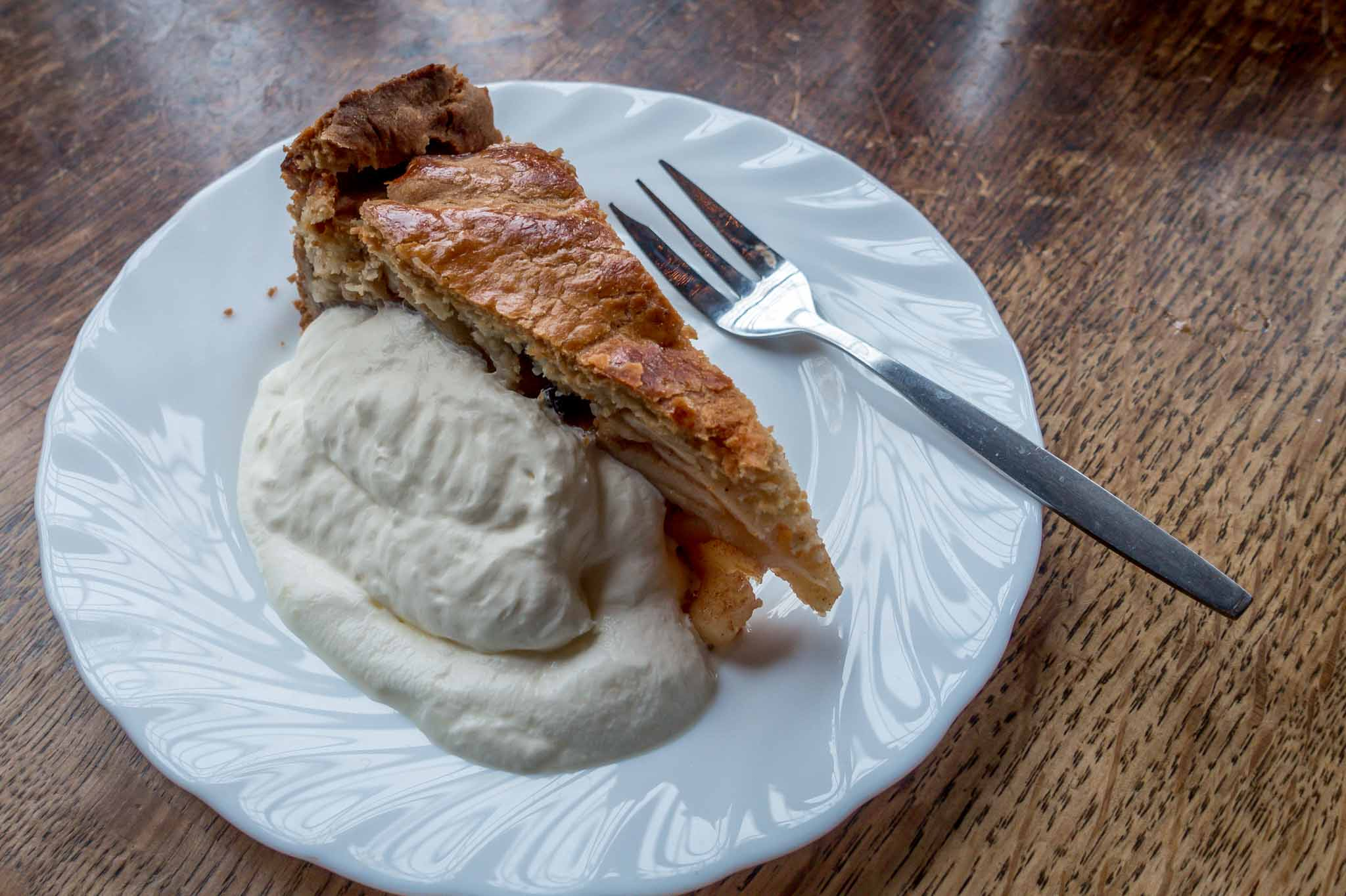 Dutch apple pie, a delicious traditional Dutch food and one of the best Dutch desserts