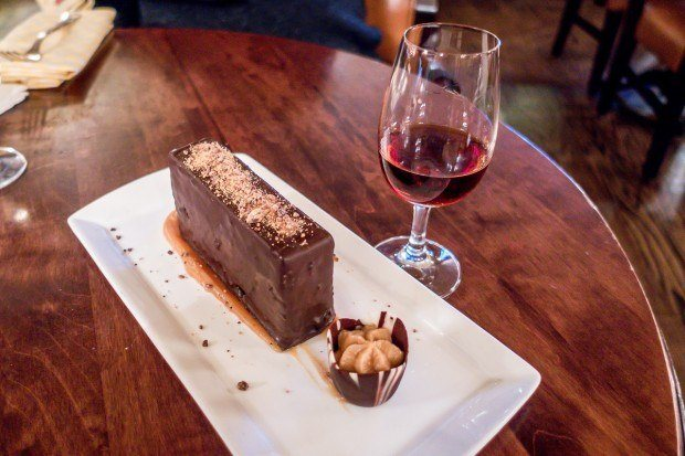 A drink and dessert at the Hermitage Hotel's Oak Bar.