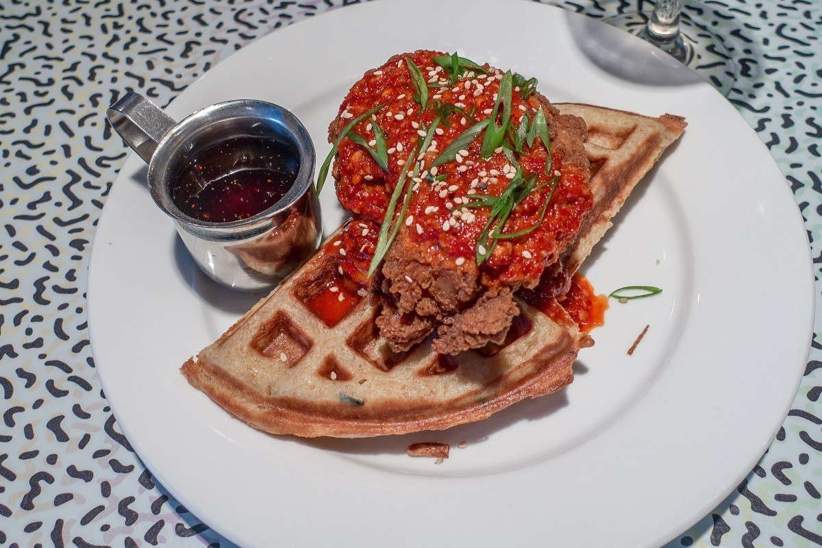 Chicken and waffles with syrup
