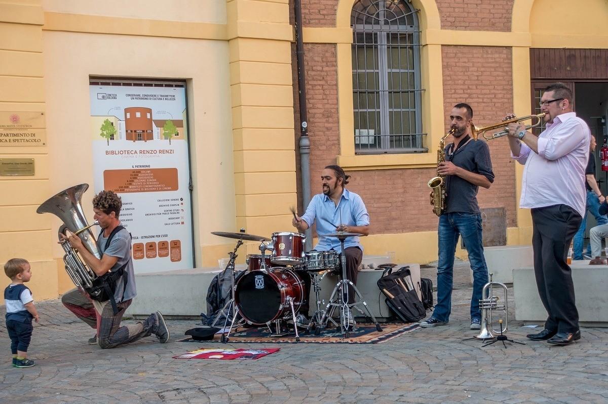 Band playing at Bologna's Mercato Ritrovato