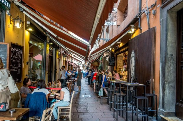From visiting historic buildings and bustling markets to trying great traditional food, there are lots of fun things to do and see in Bologna, Italy.