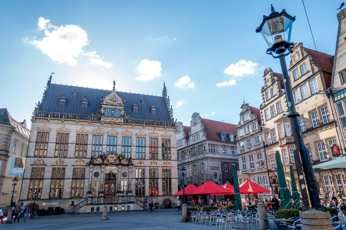Historic buildings and outdoor cafe in market square in Bremen, Germany