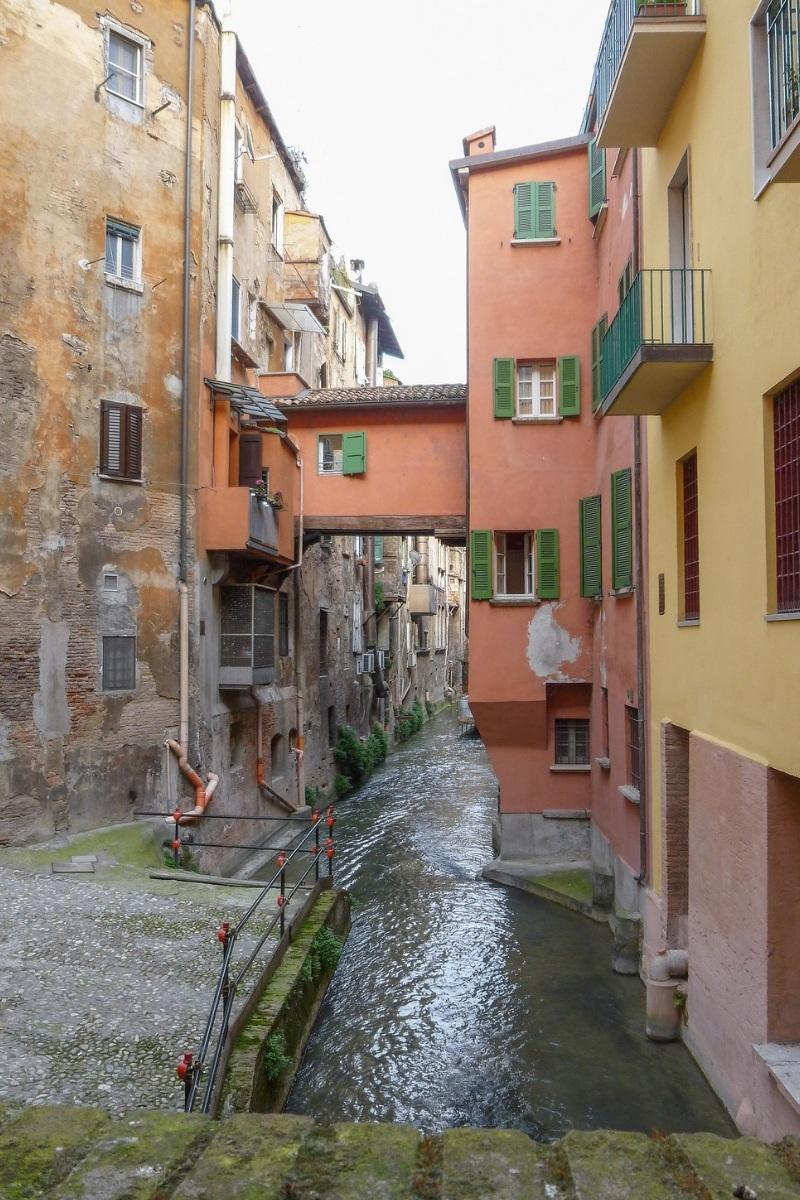 Bologna canal hidden among buildings