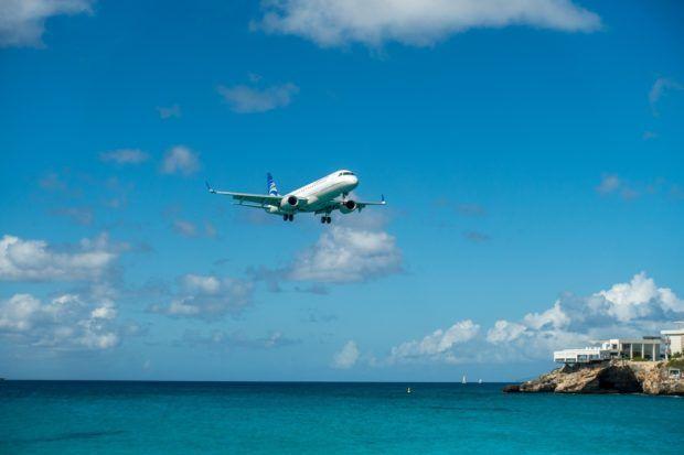 Maho Beach St Maarten plane landing