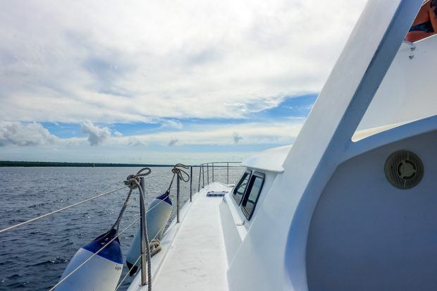 Yacht sailing on a Saona Island excursion