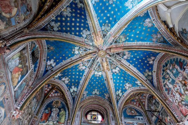 The ceiling of the impressive Cathedral of Toledo.
