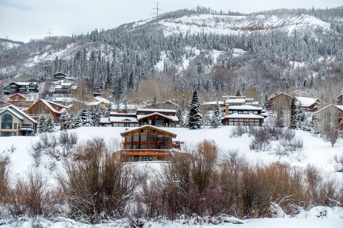 We stayed in these vacation rental homes during our Steamboat skiing adventure. While there are many hotels in Steamboat Springs Colorado, vacation rentals or an Airbnb provide more flexibility.