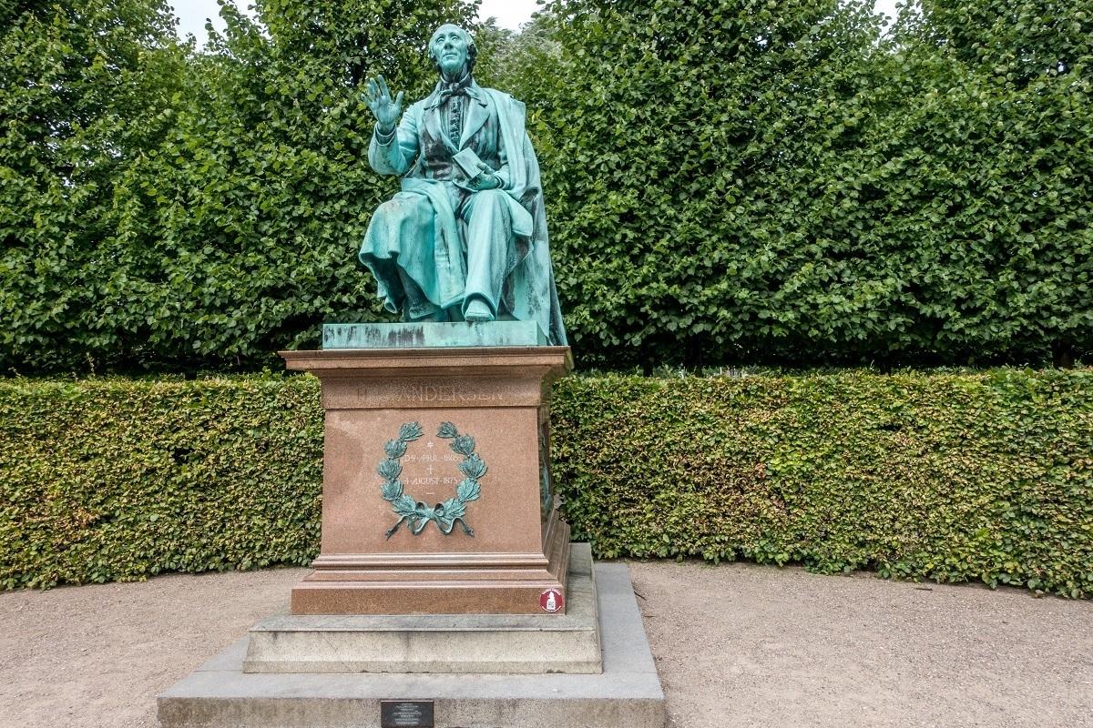 Statue of Hans Christian Anderrsen in the gardens of Rosenborg Castle in Copenhagen