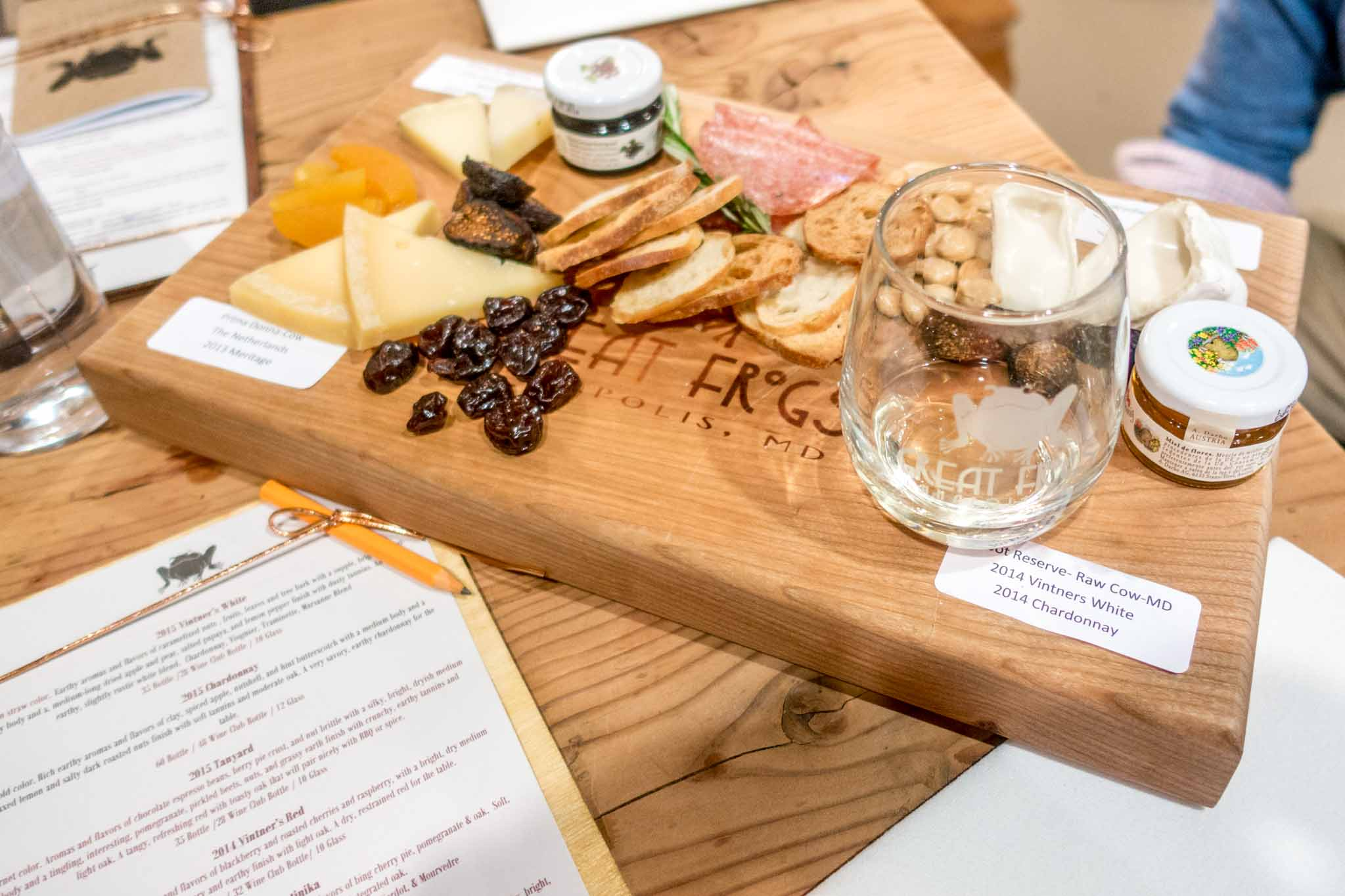 Foods for wine and cheese pairing at Great Frogs Winery