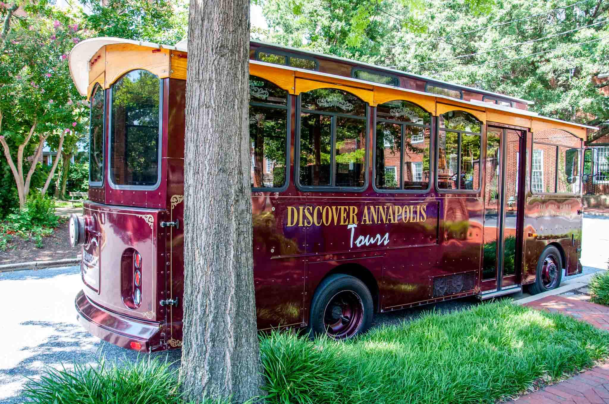 Discover Annapolis trolley car