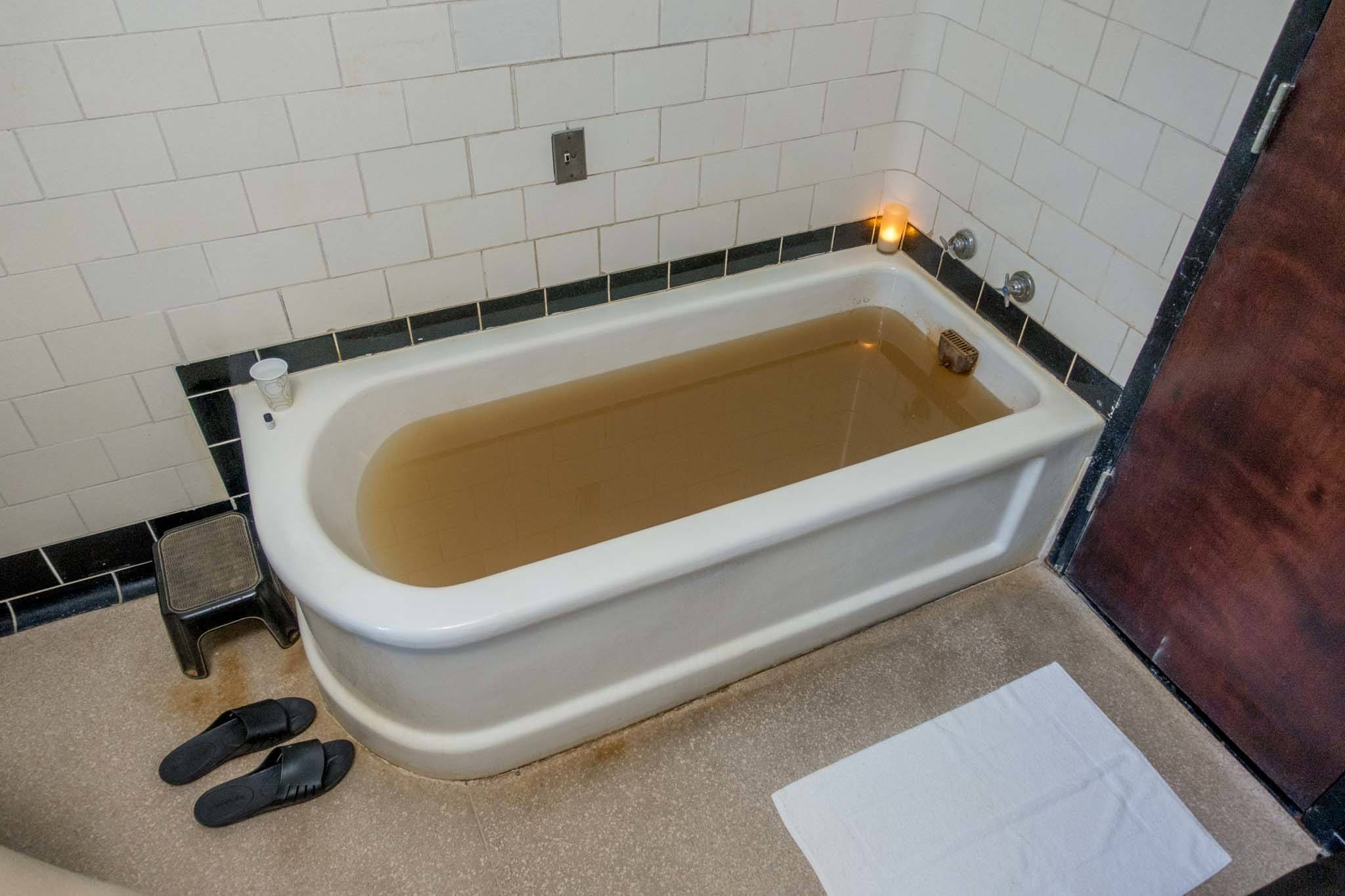 Bathtub with yellow