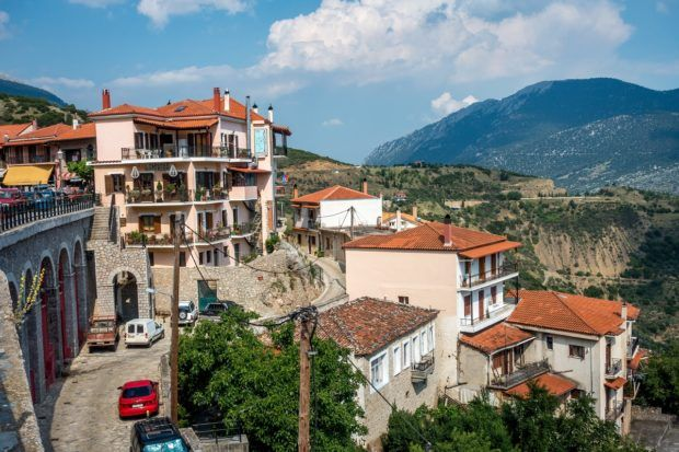 Restaurants in Arachova overlooking the valley make a good lunch spot when visiting Delphi.
