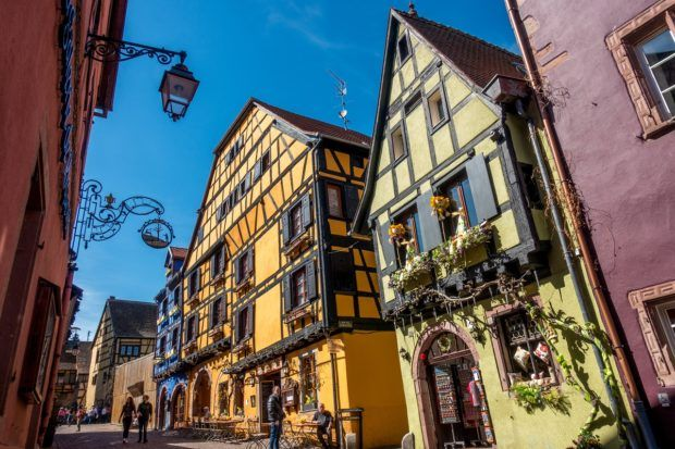 Its bright colors and beautiful half-timbered buildings make Riquwihr one of the best villages in France