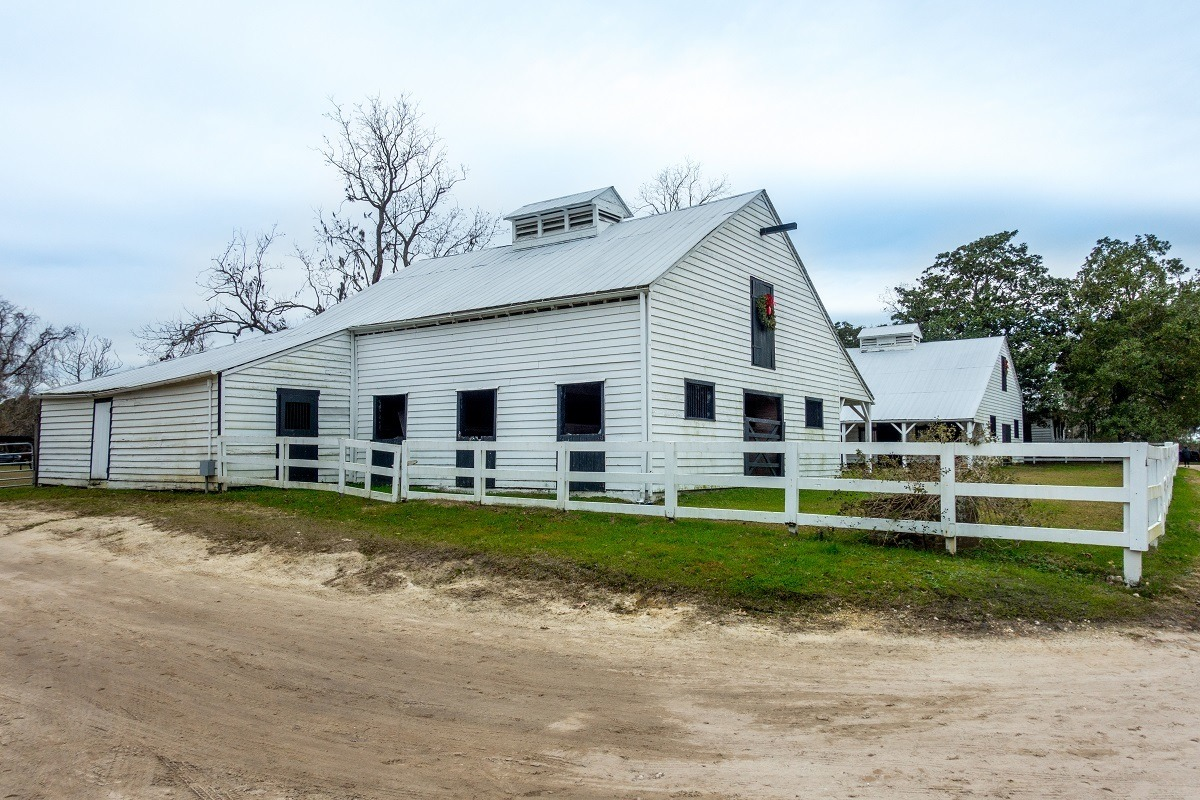 Horse stable at Boone Hall