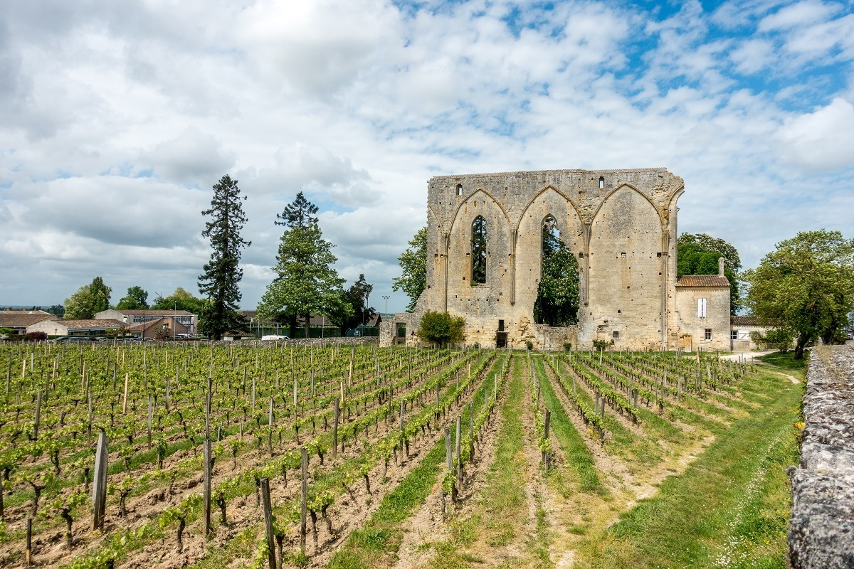 Visiting the village of Saint-Emilion, France, is one of the best Bordeaux day trips