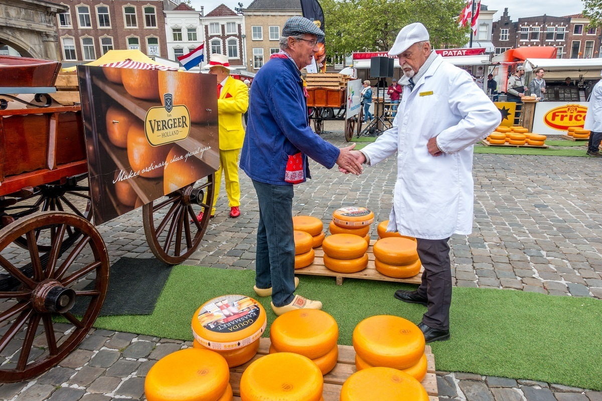 Cheese buyers and sellers have an elaborate negotiation ritual at the market. Don't miss the Gouda city cheese market when you visit Netherlands.