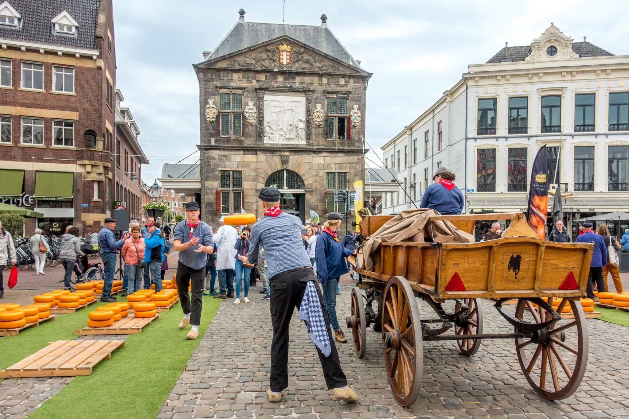 Thursday mornings in the spring and summer, the area around town hall fills with the Gouda Cheese Market, a market re-enacting the sale of the town's namesake cheese