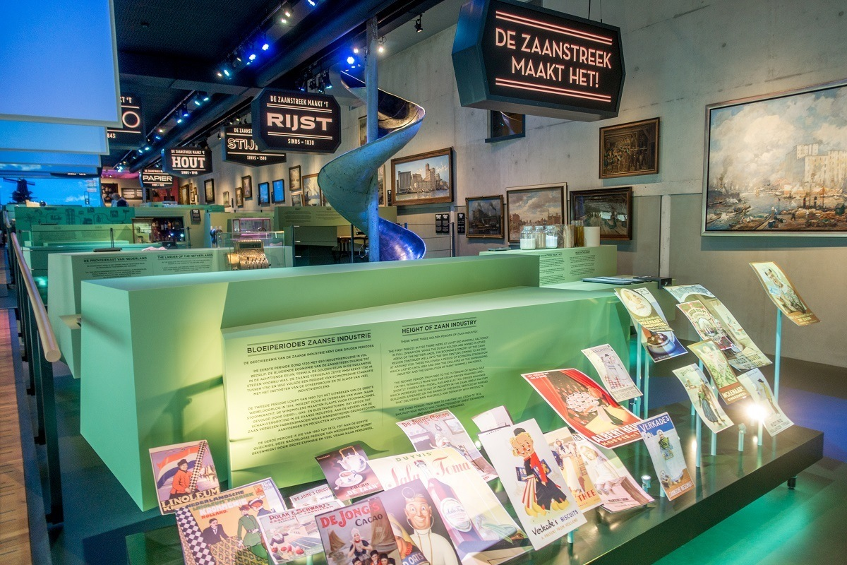 Advertising display about the Zaan industry in the Zaans Museum